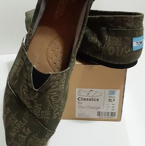 "TOMS ""Be the Change"" Men's Classics"